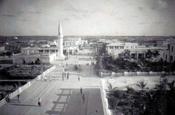 King Vittorio EmanueleIIIBoulevard - First Avenue in Mogadishu (now Jidka janaral Daud), Shingani
