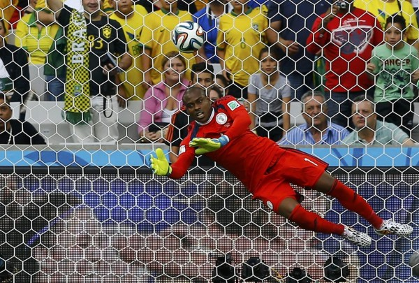GK nigerias_vincent_enyeama_saves_a_shot_against_iran_during_their_2014_world_cup_group_f_soccer_match_at_the_baixada_arena_in_curitiba_cer-world-m12-irn-nga